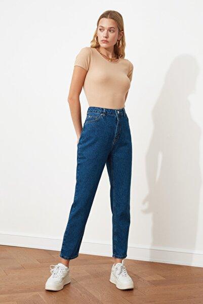 TRENDYOLMİLLA Indigo Yüksek Bel Mom Jeans TWOSS20JE0108