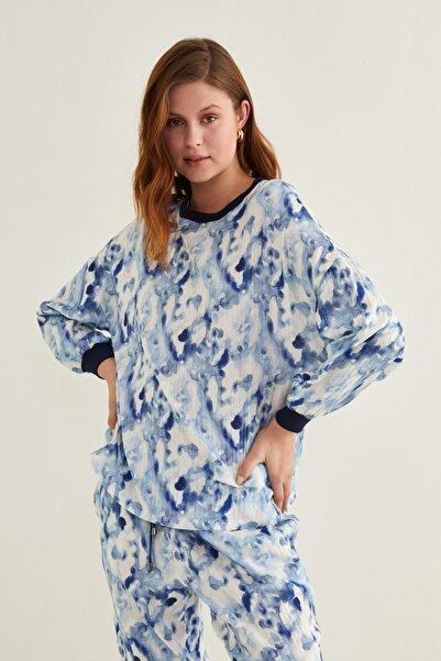 adL Kadın Batik Mavi Ribanalı Batik Desenli Bluz