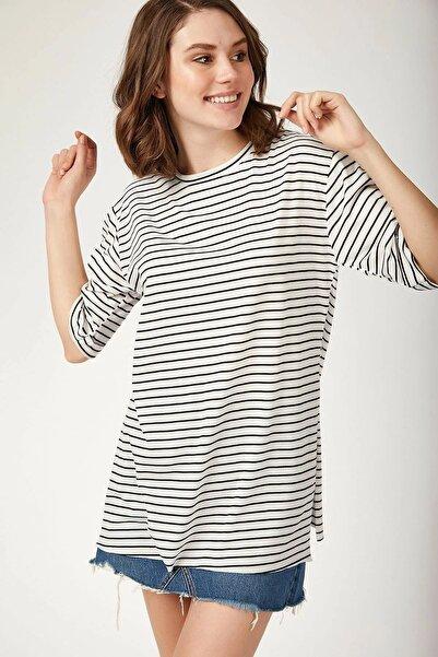Bigdart Kadın Beyaz Çizgili Yanı Yırtmaçlı T-Shirt