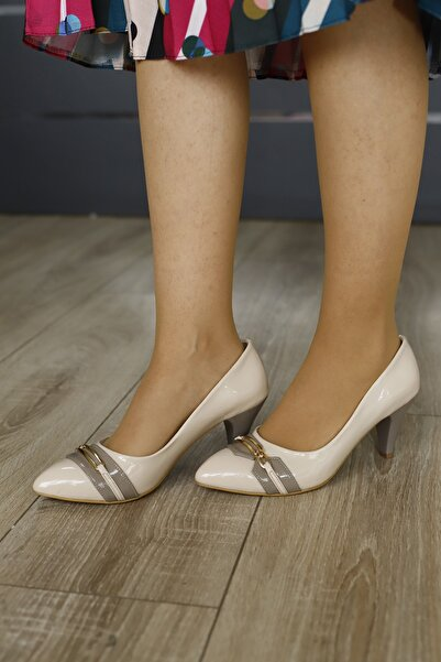 PUNTO Kadın Krem Kemerli Topuklu Ayakkabı