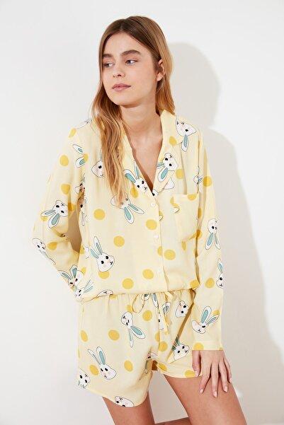 TRENDYOLMİLLA Sarı Tavşan Baskılı Dokuma Pijama Takımı THMSS21PT0302