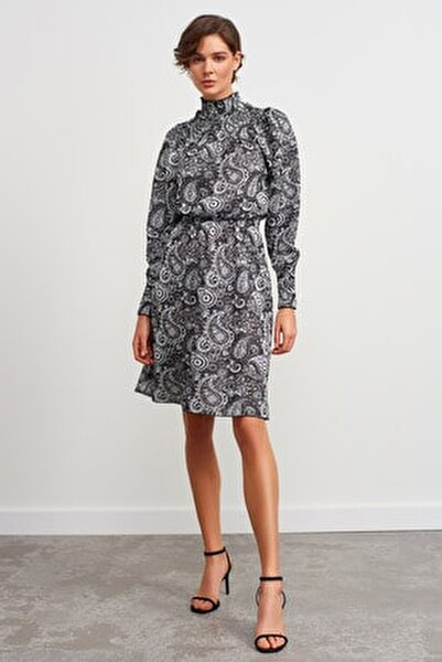 Dik Yaka Desenli Triko Elbise-siyah