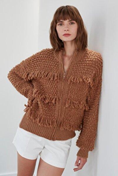 Kadın Kahverengi Püsküllü Fermuarlı Triko Ceket