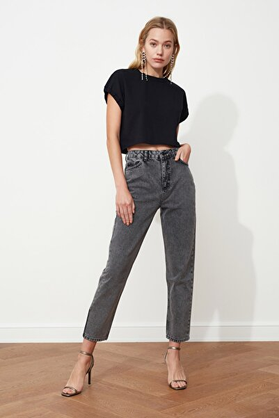 TRENDYOLMİLLA Antrasit Asit Yıkamalı Yüksek Bel Mom Jeans TWOSS20JE0164