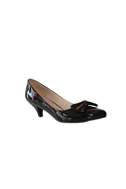 AROW Kadın Siyah Topuklu Rugan Ayakkabı A-40355