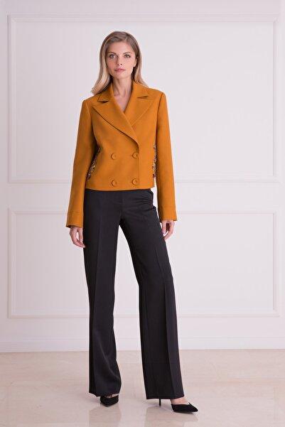 xGIZIA Kadın Hardal Rengi Taş Işlemeli Kısa Ceket