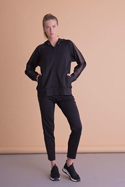 xGIZIA Kadın Siyah Kol Tül Detaylı Kapüşonlu Sweatshirt