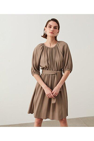 İpekyol Büzgü Detaylı Elbise