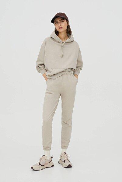 Pull & Bear Kadın Bej Basic Jogger Pantolon 09678310