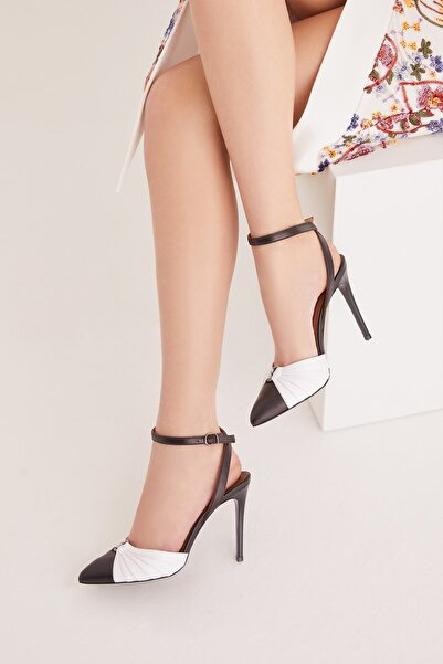 RENGIN Önden Halka Tokalı Burnu Kapalı Çift Renk Deri Topuklu Ayakkabı