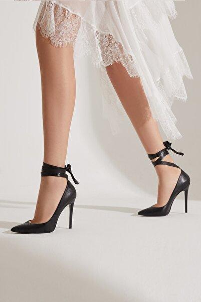 RENGIN Bilekten Sarma Hakiki Deri Önü Kapalı Topuklu Ayakkabı