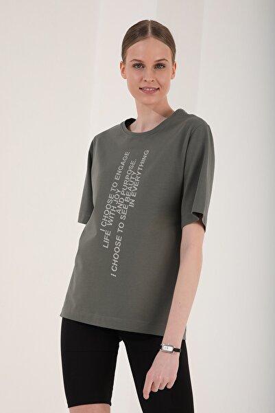 Tommy Life Kadın Dikey Yazı Baskılı Oversize O Yaka T-shirt - 97138