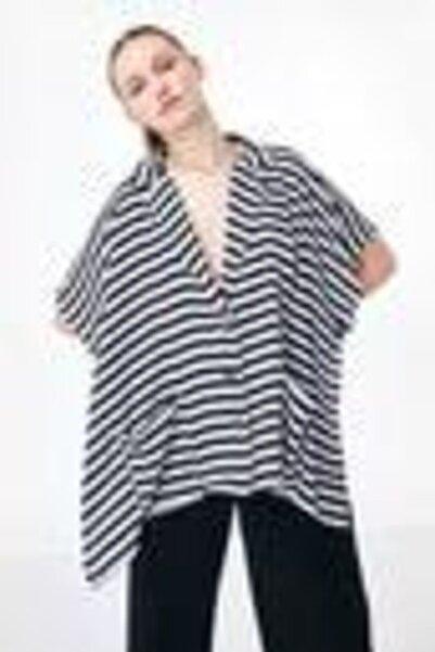 Twist Kadın Mavi Düşük Kol Çizgi Desen Ceket
