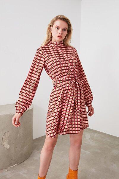 Çok Renkli Kuşaklı Dik Yaka Elbise TWOAW20EL0420