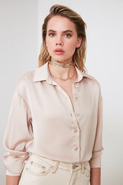 TRENDYOLMİLLA Bej Oversize Saten Gömlek TWOAW21GO0139