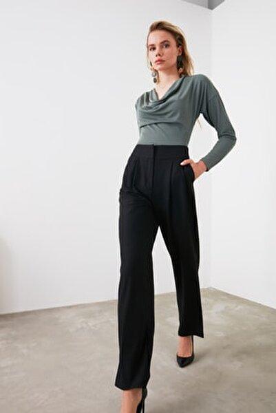 Siyah Dökümlü Pileli Geniş Paça Pantolon TWOSS19WX0017