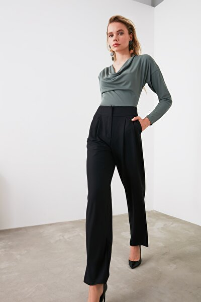 TRENDYOLMİLLA Siyah Dökümlü Pileli Geniş Paça Pantolon TWOSS19WX0017