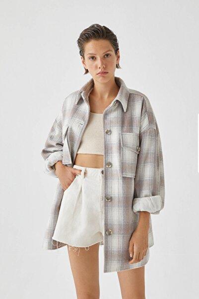 Pull & Bear Kadın Gri/Beyaz Kareli Suni Yünlü İnce Ceket 09751305