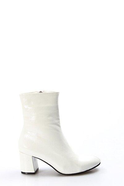 Beyaz Kırışık Rugan Kadın Bot