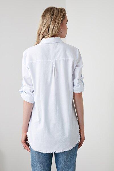 Beyaz Püsküllü Gömlek TWOAW20GO0295