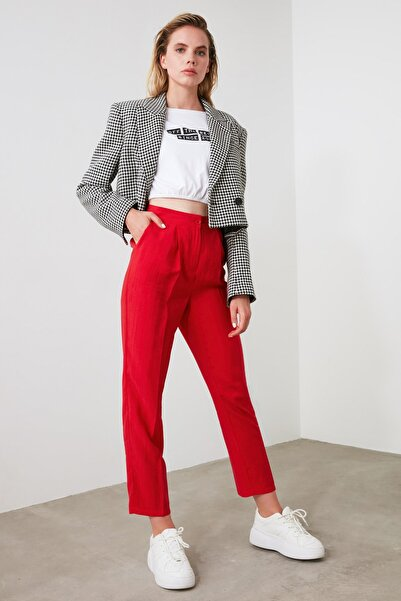 TRENDYOLMİLLA Kırmızı Pileli Düz Kesim Pantolon TWOAW21PL0051