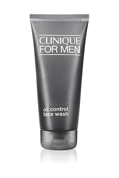 Clinique Erkekler İçin Yağlı Ciltlere Özel Yüz Temizleme Jeli 200 ml 020714672096
