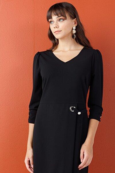 Siyah Toka Detaylı Truvakar Kol Elbise