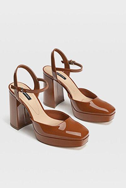 Stradivarius Kadın Kahverengi Topuklu Platform Ayakkabı 19656670