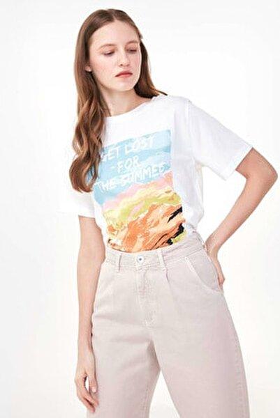 Kadın Beyaz Slogan Baskılı Tshirt TS1200070163002