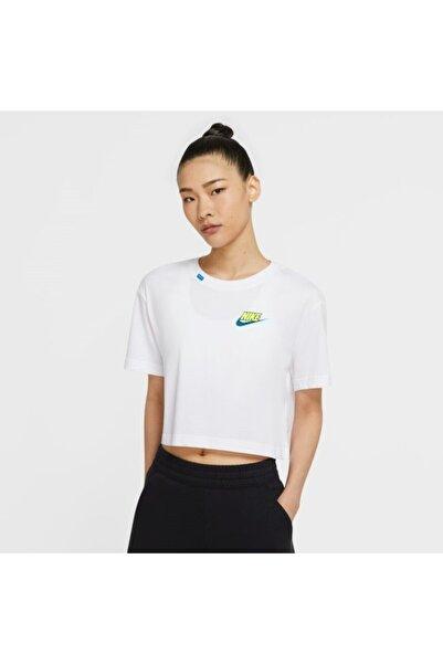 Nike Kadın Beyaz Kısa Kol Tişört