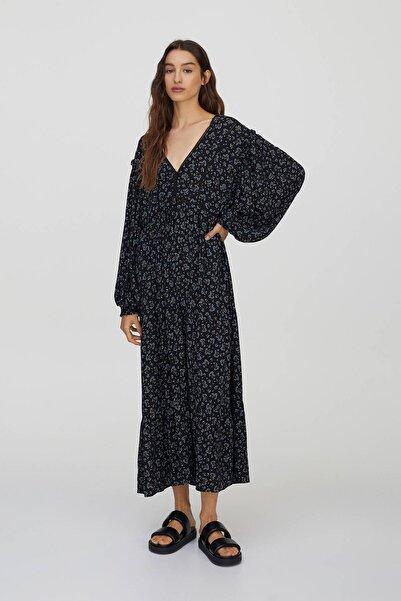 Pull & Bear Kadın  Siyah Elastik Manşetli Dantel Şeritli Elbise 09391387