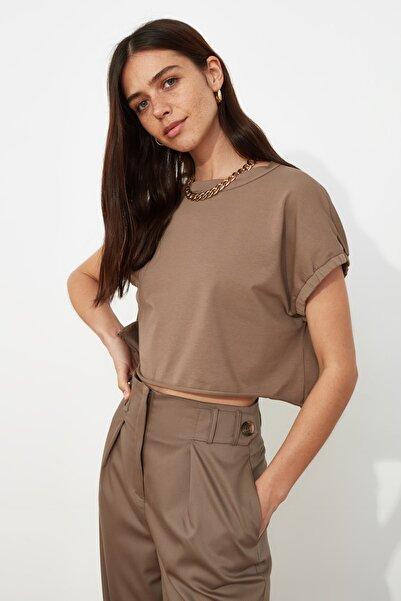 TRENDYOLMİLLA Vizon Crop Örme T-Shirt TWOSS20TS1257