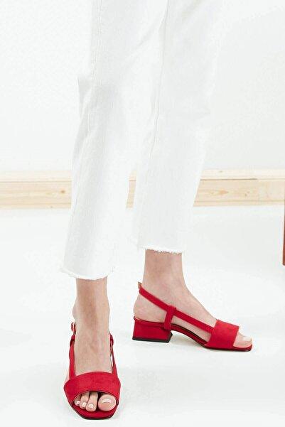 Mio Gusto Kadın  Cindy Kırmızı Kısa Topuklu Sandalet
