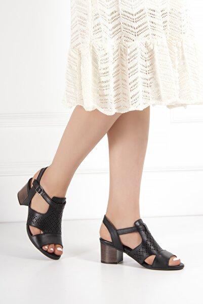 Venüs Kadın Siyah Hakiki Deri Sandalet