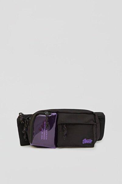 Pull & Bear Erkek Renkli Menekşe Rengi Detaylı Siyah Bel Çantası 04820521