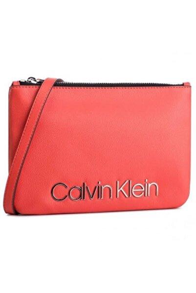 Calvin Klein Ck Must Crossover