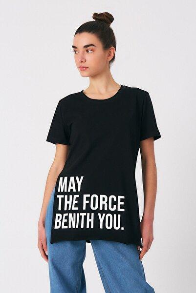 Robin Kadın Siyah Yazılı Yırtmaçlı Tshirt