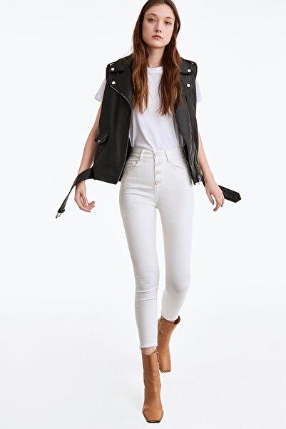 Uterqüe Kadın Beyaz Metal Düğmeli Pantolon 00116650