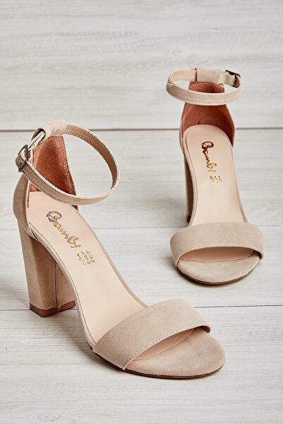 Bambi Bej Süet Kadın Klasik Topuklu Ayakkabı K01503741072