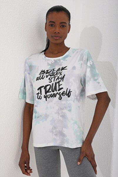 Tommy Life Yeşil Kadın Yazı Baskılı Batik Desenli Oversize O Yaka T-shirt - 97125