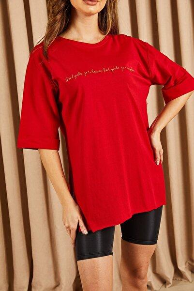 Hadise Kadın Kırmızı İnce Yazı Baskılı Tshirt