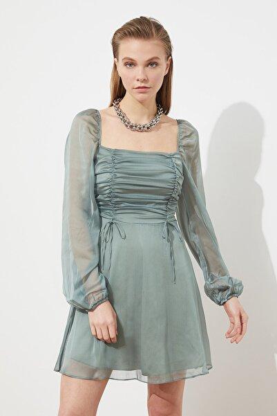 TRENDYOLMİLLA Mint Yaka Detaylı Şifon Elbise TPRSS21EL0767