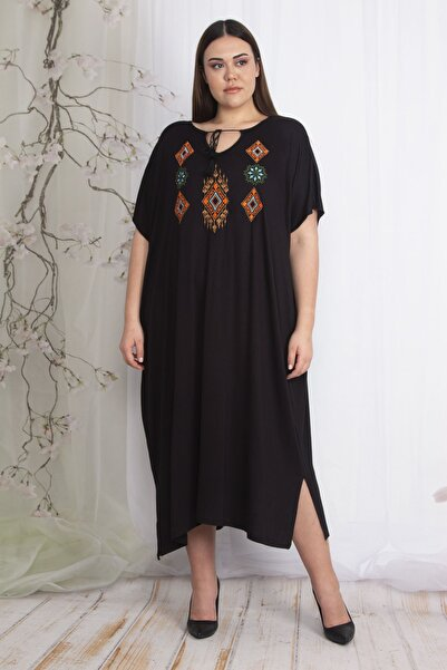 Şans Kadın Siyah Nakış Detaylı Rahat Kesim Elbise 65N22609