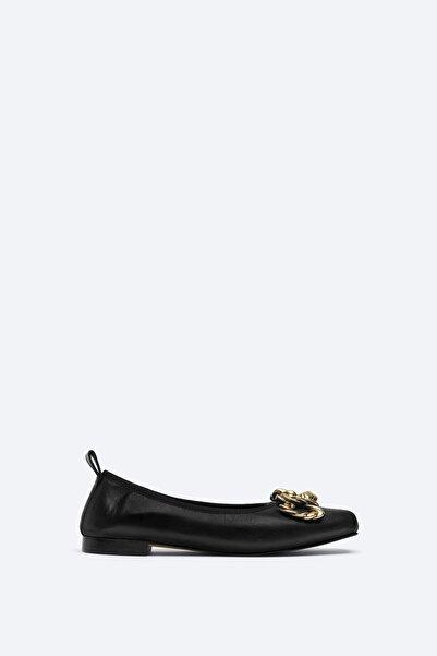 Uterqüe Kadın Siyah Dekoratif Detaylı Babet Ayakkabı 17314780