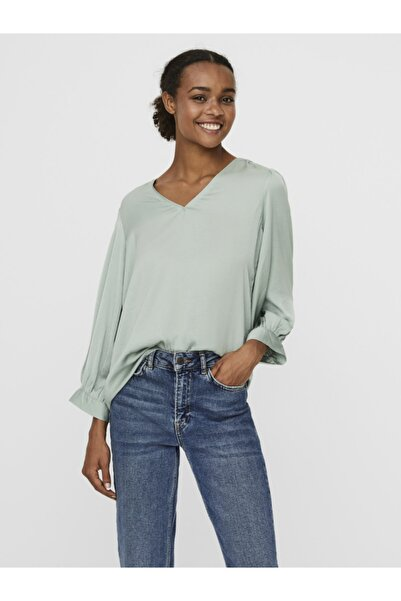 Vero Moda Kadın V Yaka Kolları Volümlü Bluz