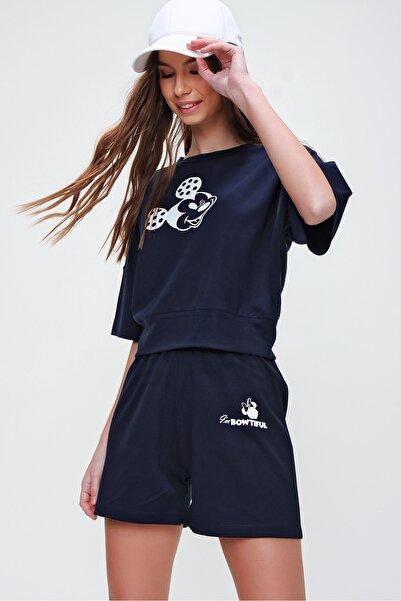 Trend Alaçatı Stili Kadın Lacivert Baskılı Şortlu Alt Üst Takım ALC-X5926