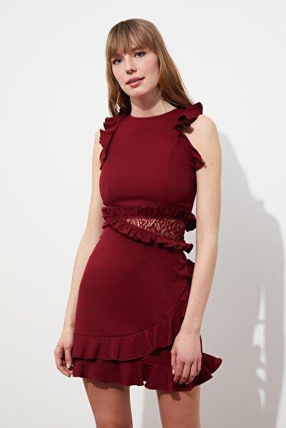 TRENDYOLMİLLA Bordo Dantel Detaylı Elbise TPRSS21EL0969