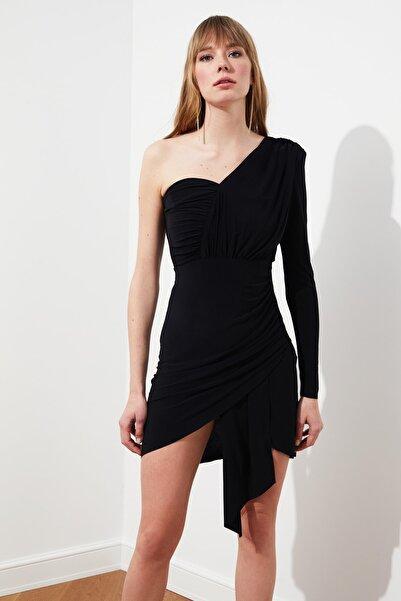 TRENDYOLMİLLA Siyah Drape Detaylı Elbise TPRSS21EL0837