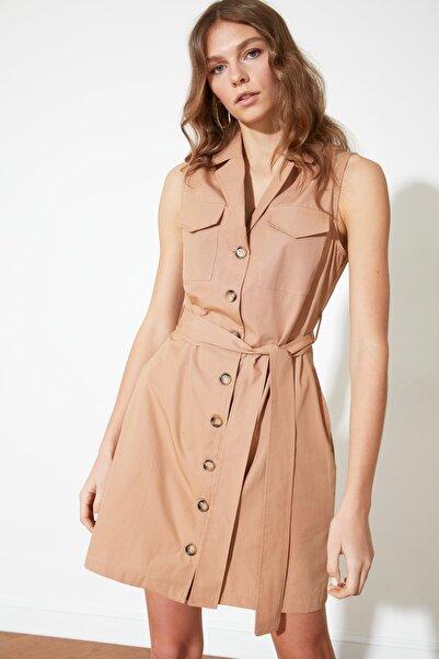 TRENDYOLMİLLA Camel Kuşaklı Düğmeli Elbise TWOSS21EL1285