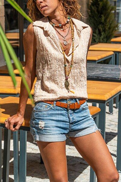 Güneşkızı Kadın Bej Kolsuz Özel Dokulu Çizgili Gömlek GK-BST2878C
